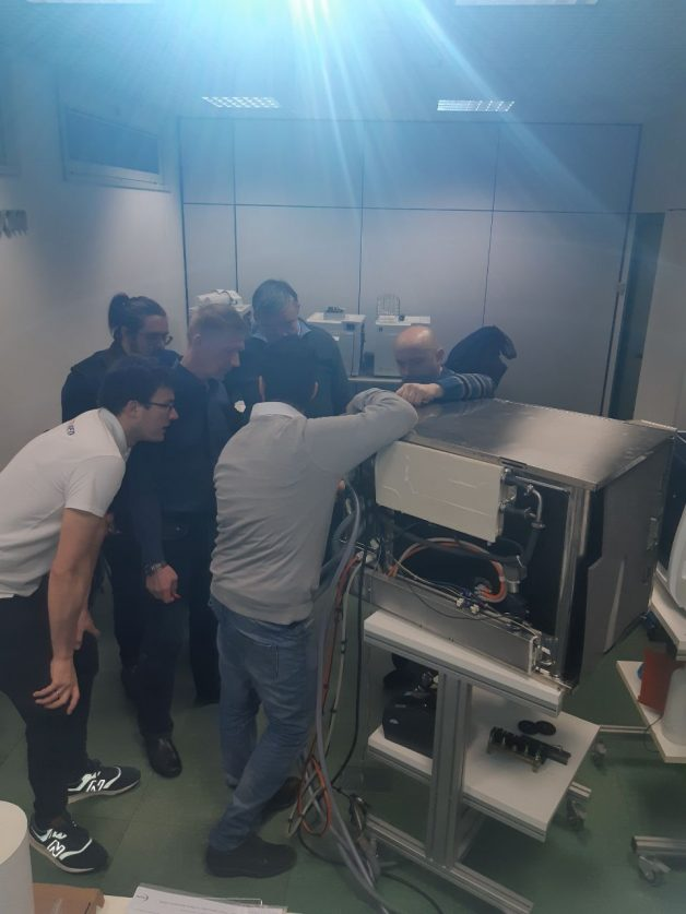 Technical training courses for dental units, sterilizing equipment and compressors
